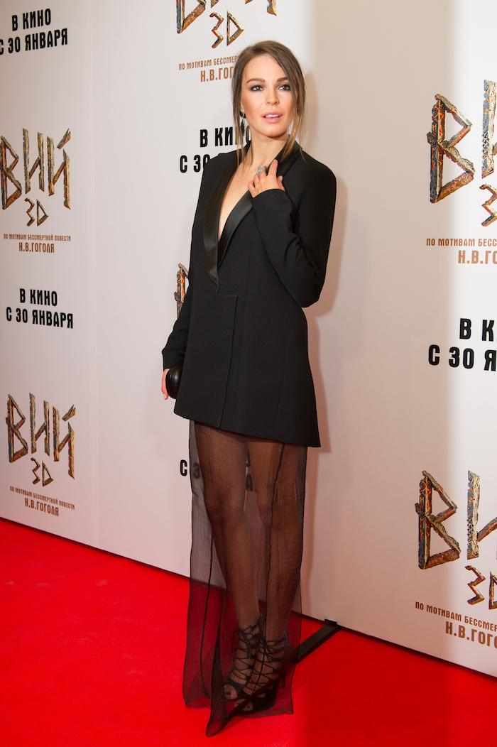 9e8bd83a5df Агния Дитковските и ее черное платье-конструктор