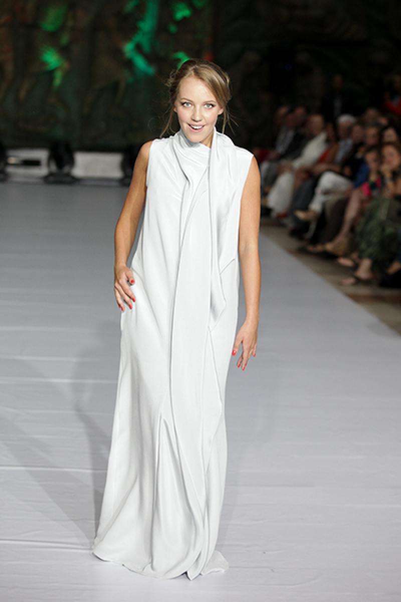 Галина боб в платье